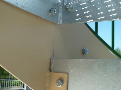 Detail Verschraubung Blechwange-Stufe
