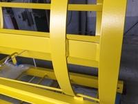 lackierter Rückenschutz einer Steigleiter