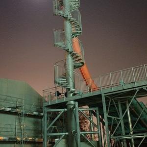 Treppenturm im Mondschein